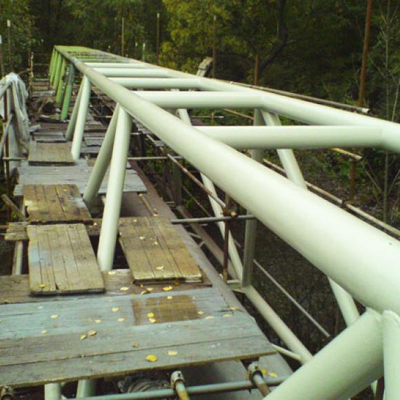 pipeline footbridges - during renewal of anticorrosion protection