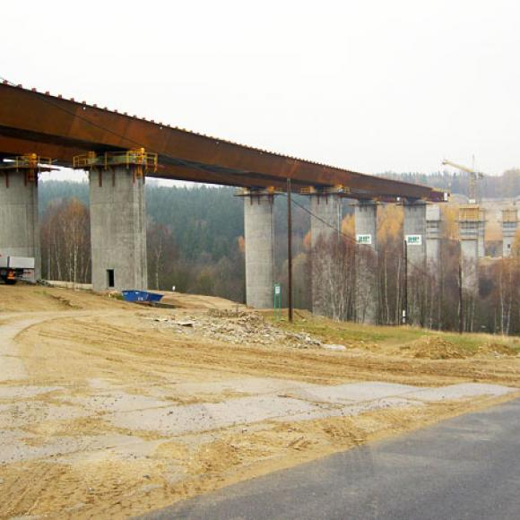 building-up of border bridge - highway D8