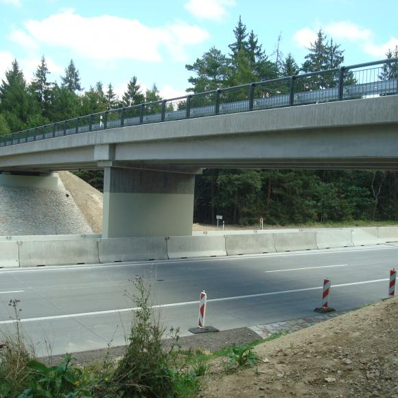 Modernization D1 - section 22 – overpass in km 164,5